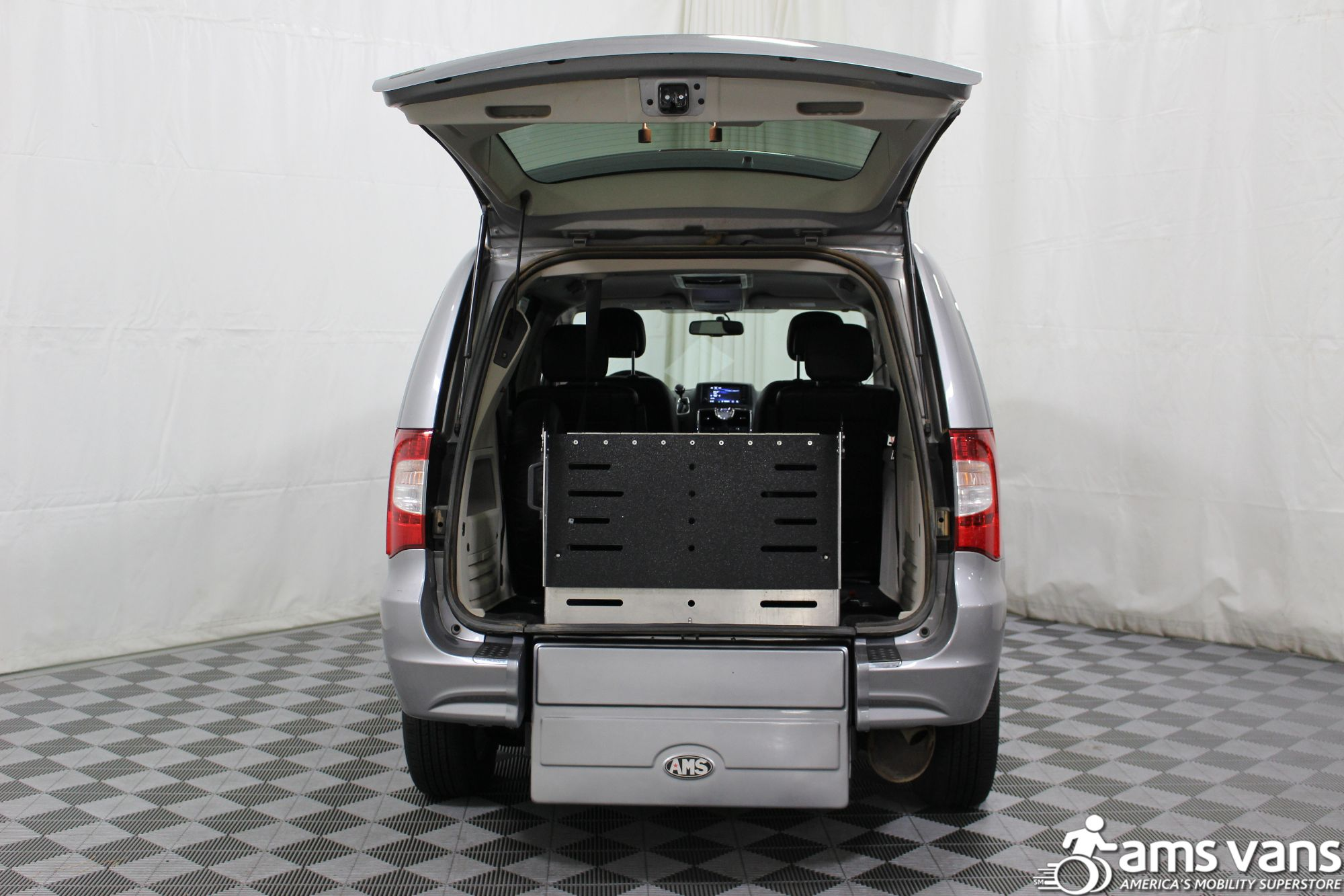 2013 Chrysler Town & Country Touring Wheelchair Van For Sale #7