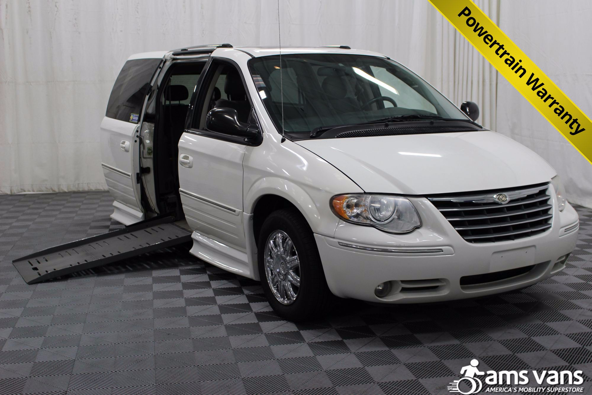 2005 Chrysler Town and Country Limited Wheelchair Van For Sale #1