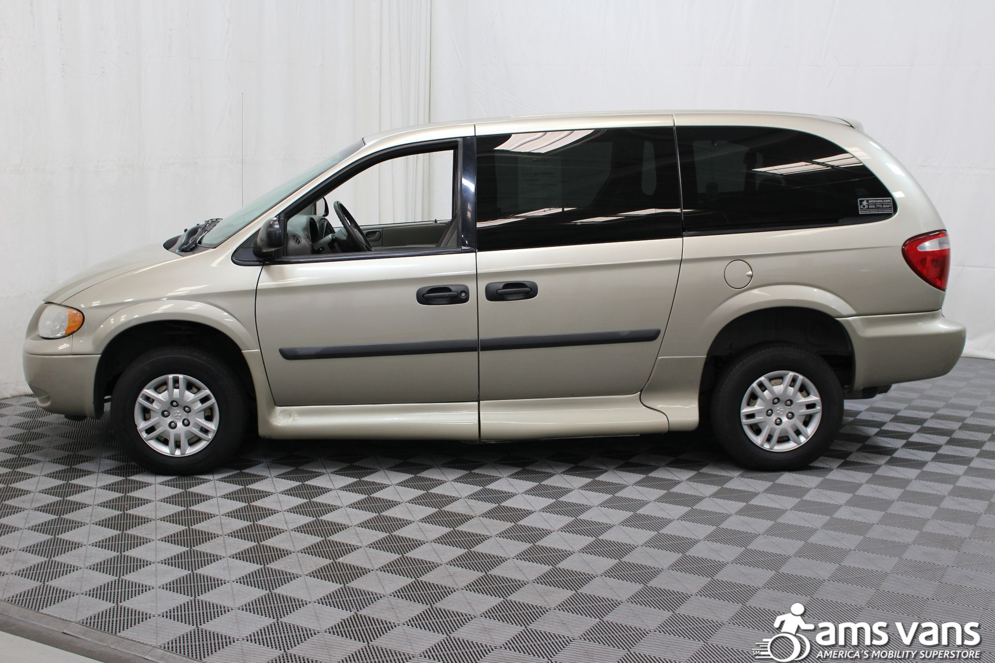 2007 Dodge Grand Caravan SE Wheelchair Van For Sale #16