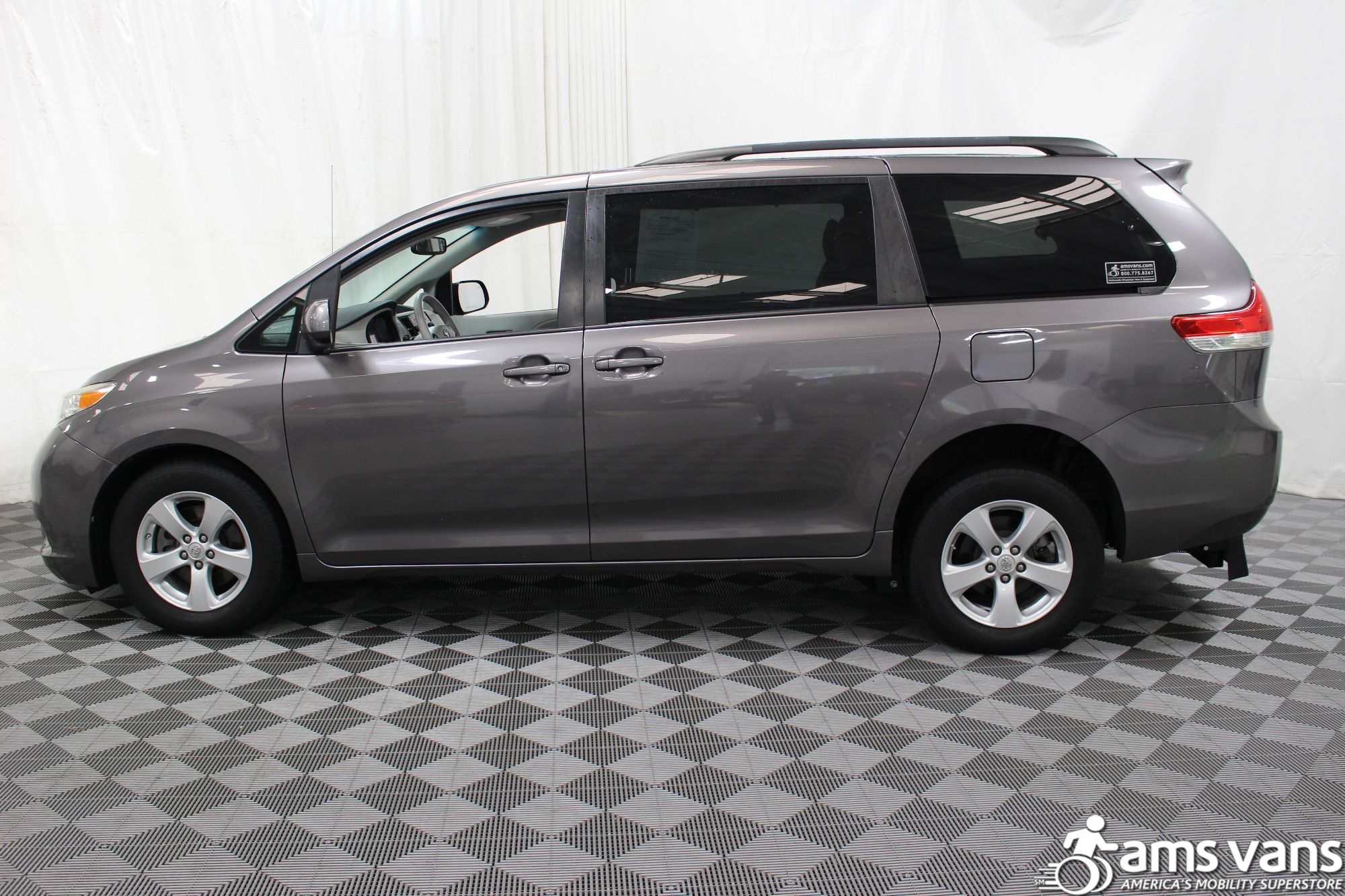 2011 Toyota Sienna LE Wheelchair Van For Sale #14