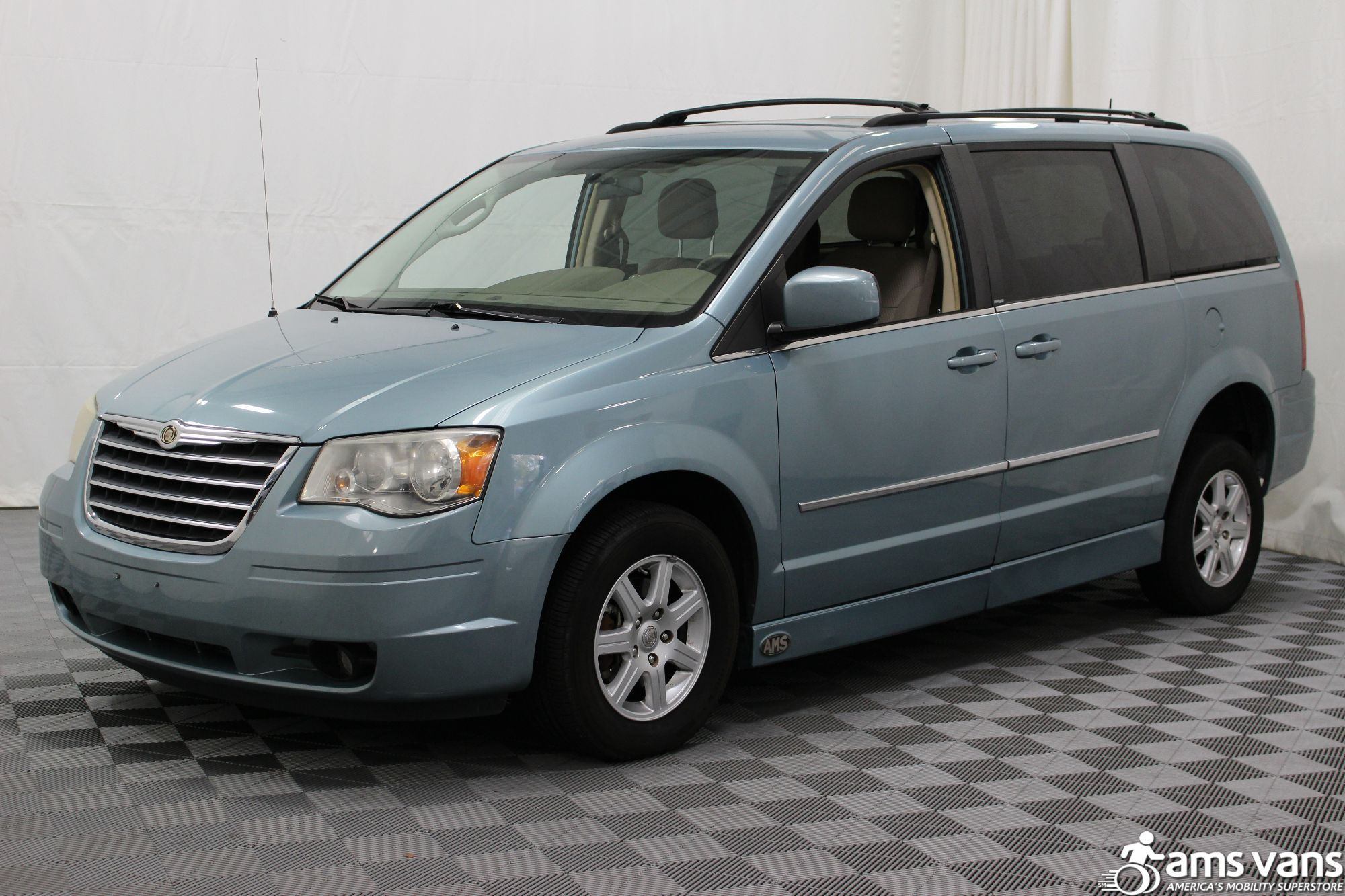 2010 Chrysler Town and Country Wheelchair Van For Sale #17