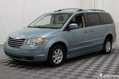 2010 Chrysler Town and Country Wheelchair Van For Sale -- Thumb #17
