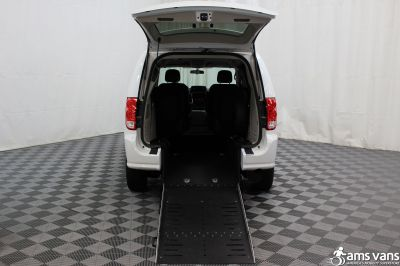 2016 Dodge Grand Caravan Wheelchair Van For Sale -- Thumb #3