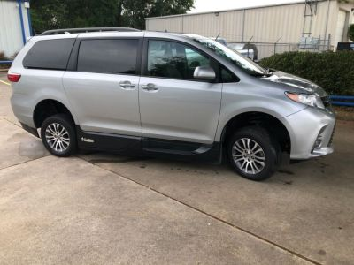 Handicap Van for Sale - 2019 Toyota Sienna XLE Wheelchair Accessible Van VIN: 5TDYZ3DC3KS970732