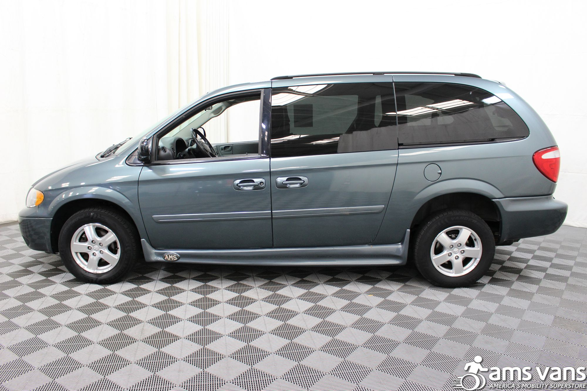 2007 Dodge Grand Caravan SXT Wheelchair Van For Sale #10