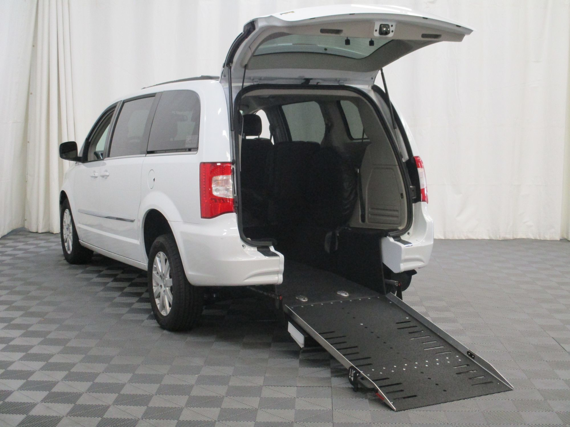 2015 Chrysler Town and Country Touring Wheelchair Van For Sale #2