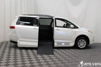 2015 Toyota Sienna Wheelchair Van For Sale