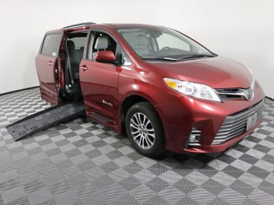 Used Wheelchair Van for Sale - 2018 Toyota Sienna XLE Wheelchair Accessible Van VIN: 5TDYZ3DC9JS939547