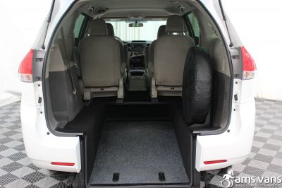 2013 Toyota Sienna Wheelchair Van For Sale -- Thumb #3
