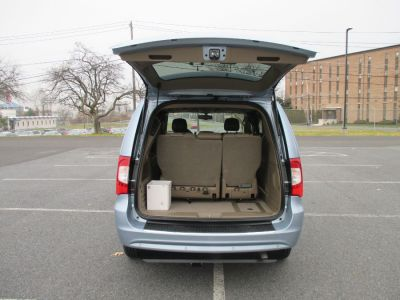 Blue Chrysler Town and Country image number 5