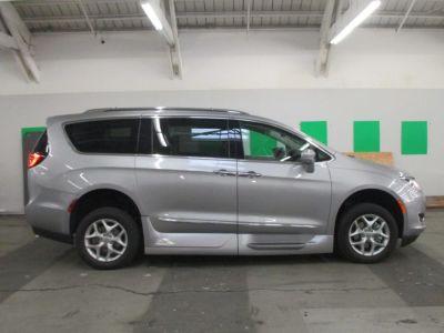 Wheelchair Van New 2019 Chrysler Pacifica Kr522423
