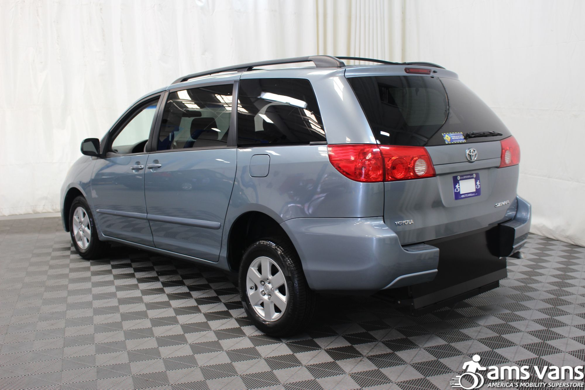 2007 Toyota Sienna LE Wheelchair Van For Sale #11