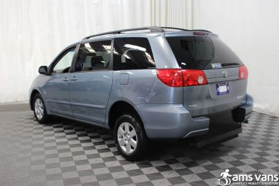 2007 Toyota Sienna Wheelchair Van For Sale -- Thumb #11