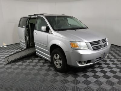 Handicap Van for Sale - 2009 Dodge Grand Caravan SXT Wheelchair Accessible Van VIN: 2D8HN54189R557974