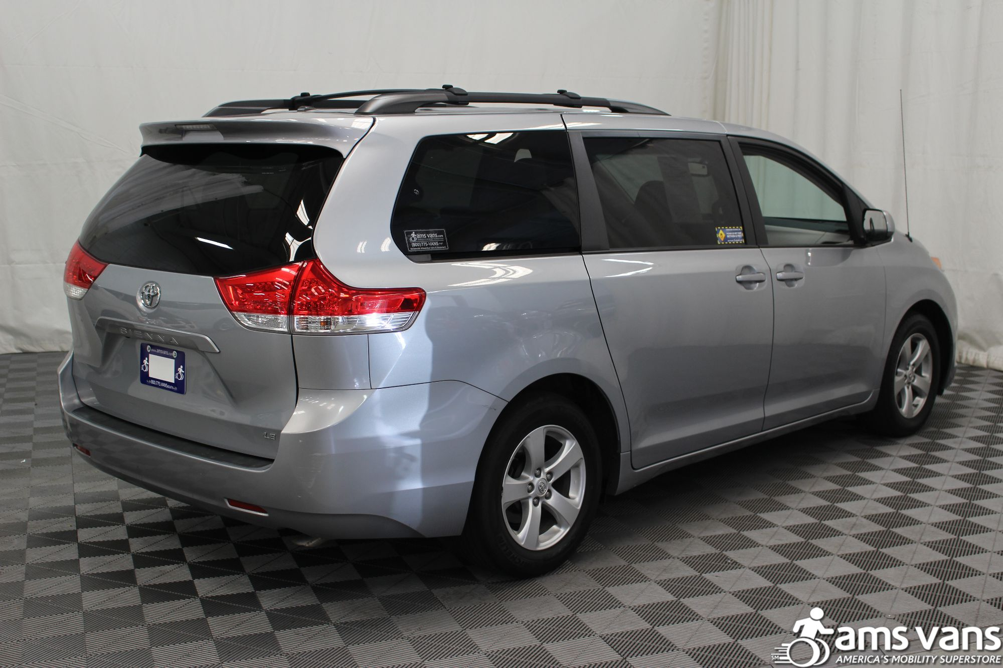 2014 toyota sienna wheelchair van for sale 43 495. Black Bedroom Furniture Sets. Home Design Ideas