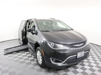 Handicap Van for Sale - 2018 Chrysler Pacifica Touring L Wheelchair Accessible Van VIN: 2C4RC1BG1JR246447