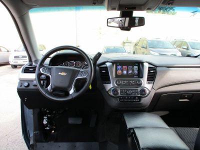Gray Chevrolet Suburban image number 9