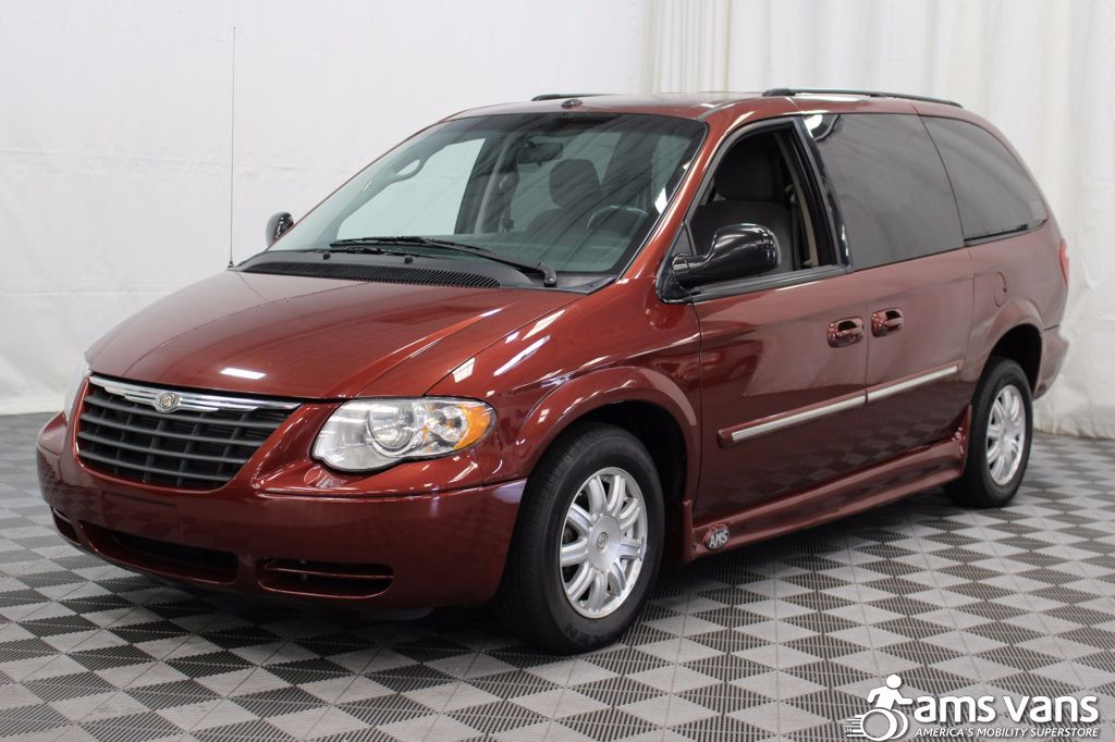 2007 Chrysler Town and Country Touring Wheelchair Van For Sale #15