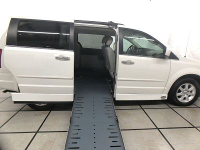 Used Wheelchair Van for Sale - 2008 Chrysler Town & Country Touring Wheelchair Accessible Van VIN: 2A8HR54P48R694716