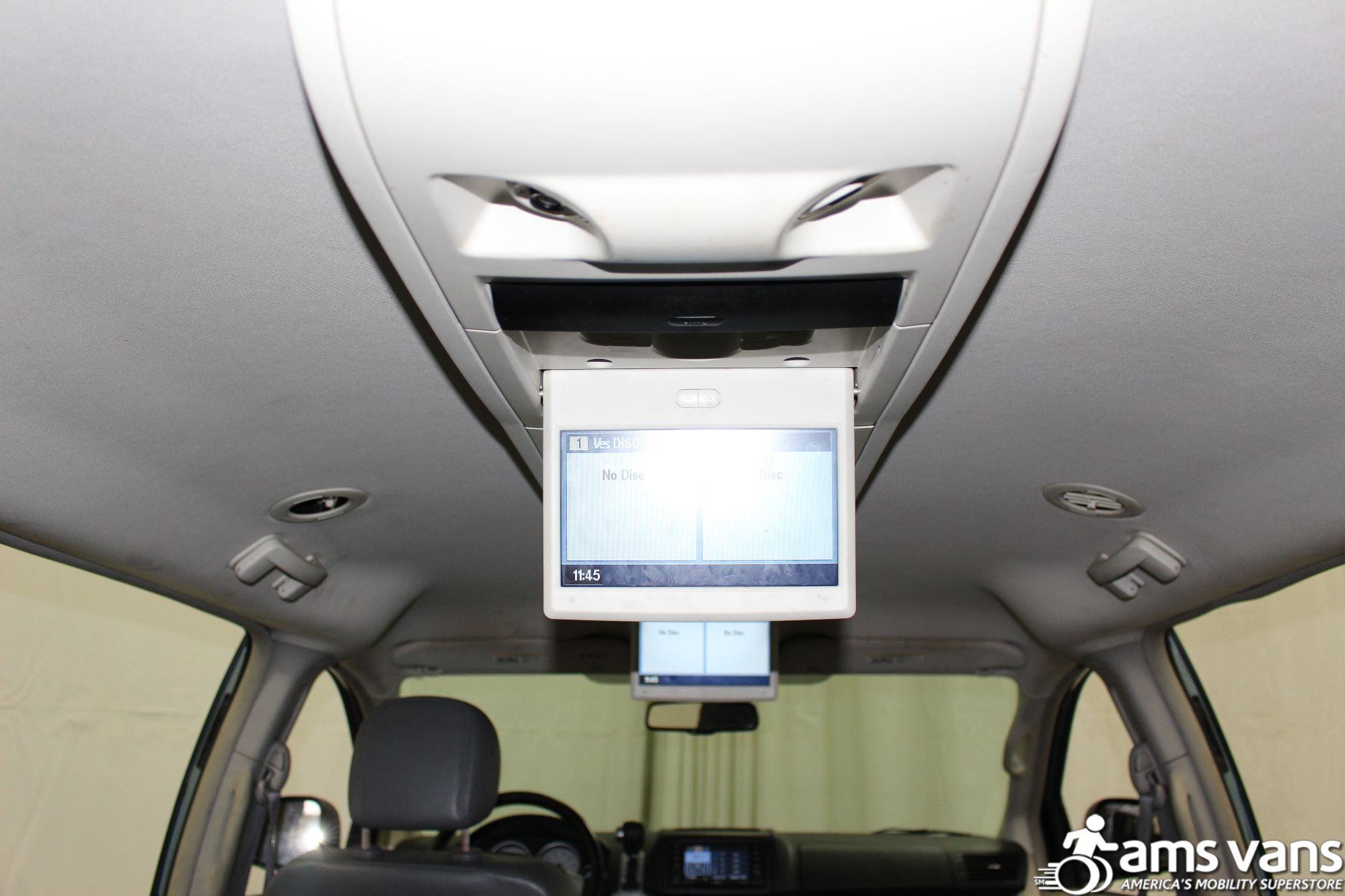 2010 Volkswagen Routan Wheelchair Van For Sale #27