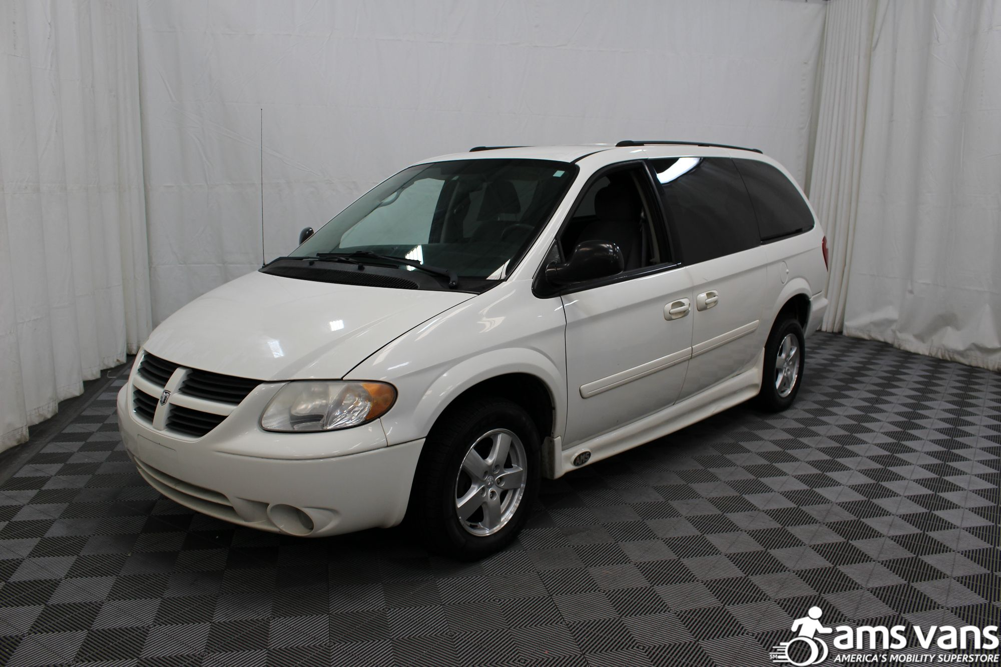 2006 Dodge Grand Caravan SXT Wheelchair Van For Sale #6