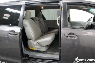 2011 Toyota Sienna Wheelchair Van For Sale -- Thumb #8