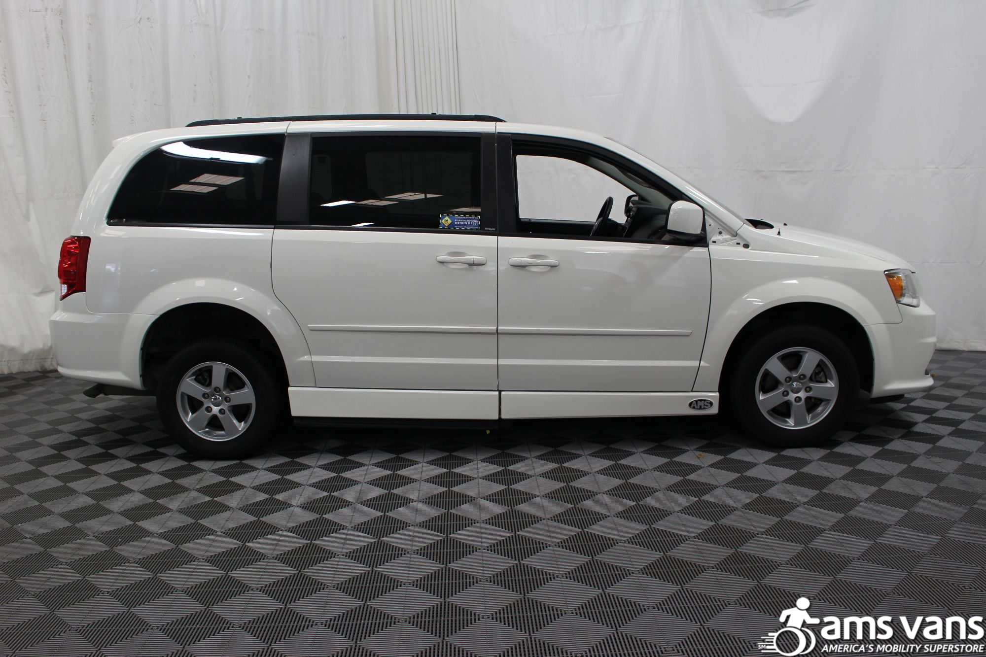 2012 Dodge Grand Caravan SXT Wheelchair Van For Sale #11