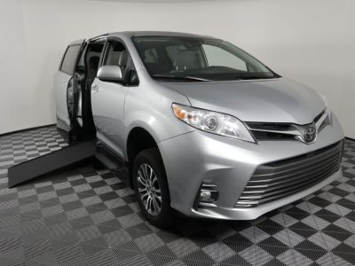 Handicap Van for Sale - 2020 Toyota Sienna XLE Wheelchair Accessible Van VIN: 5TDYZ3DC6LS024626