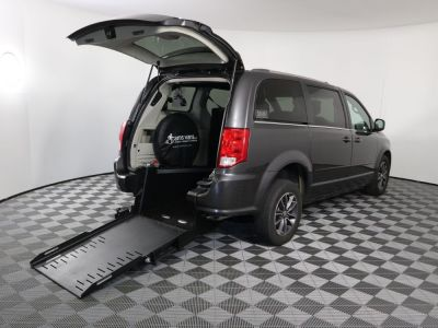 Commercial Wheelchair Vans for Sale - 2017 Dodge Grand Caravan SXT ADA Compliant Vehicle VIN: 2C4RDGCGXHR758474