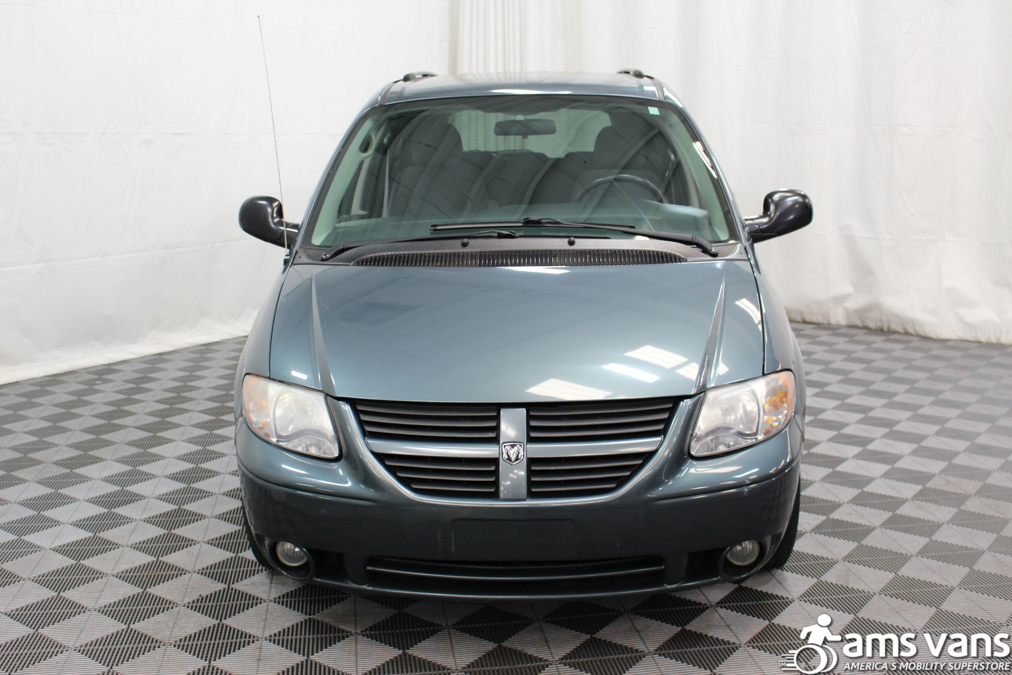 2007 Dodge Grand Caravan SXT Wheelchair Van For Sale #12