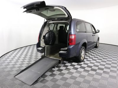 Used Wheelchair Van for Sale - 2008 Dodge Grand Caravan SE Wheelchair Accessible Van VIN: 1D8HN44H88B118424
