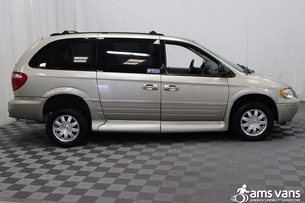 2005 Chrysler Town and Country Touring Wheelchair Van For Sale #13