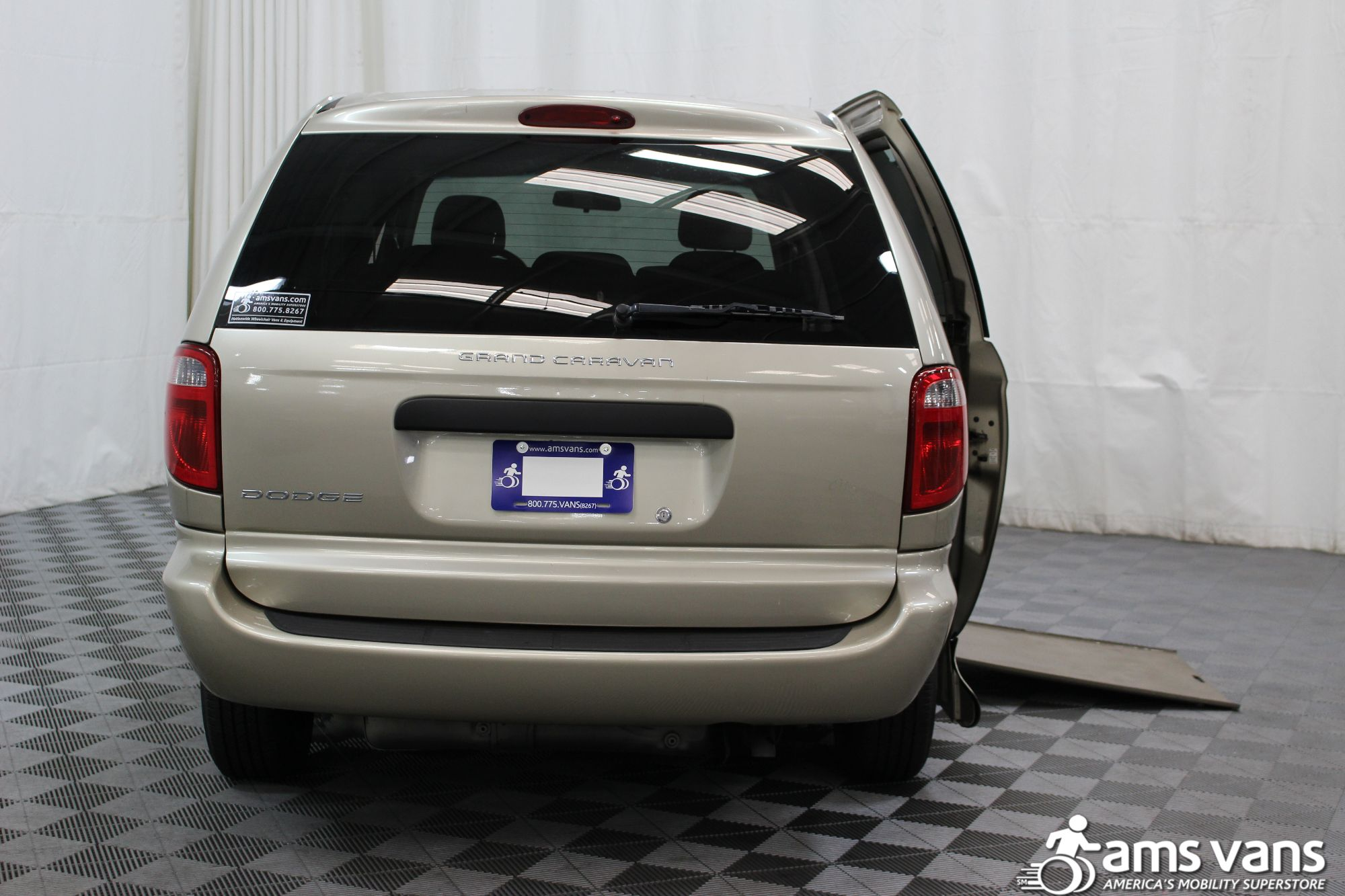 2007 Dodge Grand Caravan SE Wheelchair Van For Sale #4