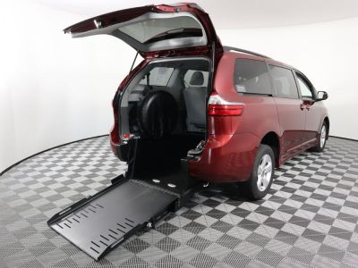 Commercial Wheelchair Vans for Sale - 2020 Toyota Sienna LE ADA Compliant Vehicle VIN: 5TDKZ3DC9LS058436