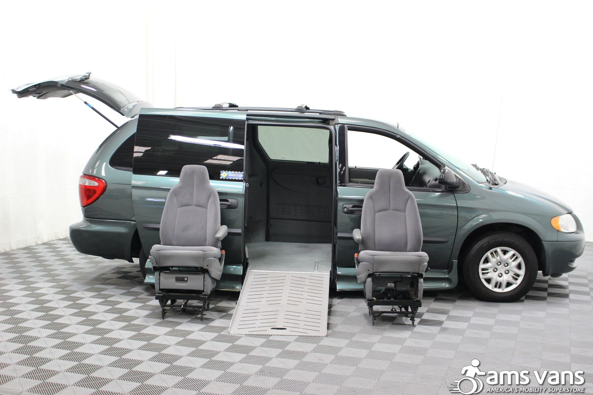 2004 Dodge Grand Caravan SE Wheelchair Van For Sale #11