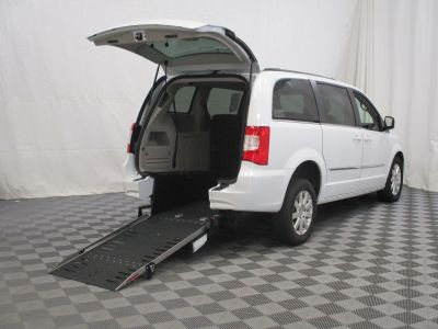 2015 Chrysler Town & Country Wheelchair Van For Sale