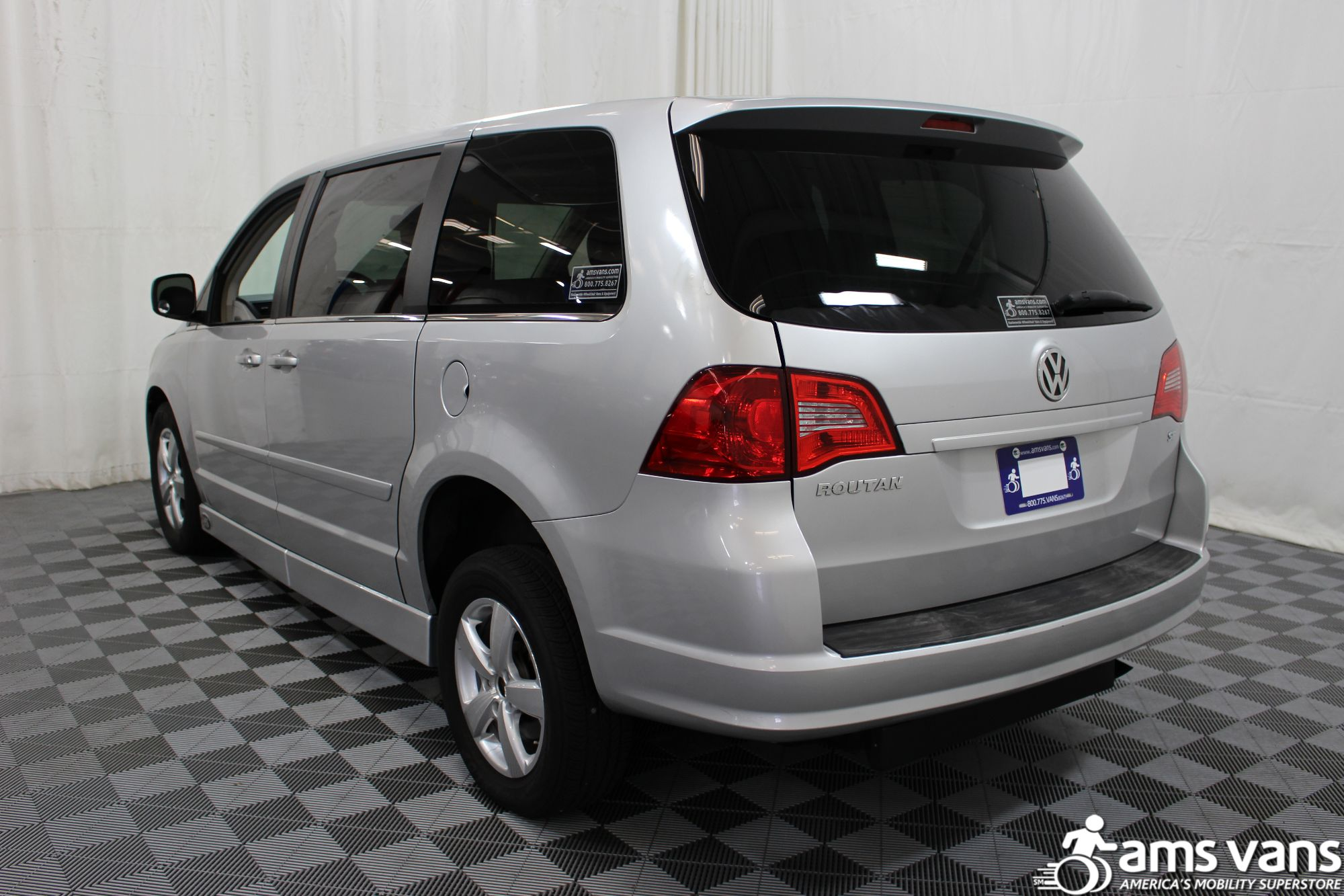 2010 Volkswagen Routan SE Wheelchair Van For Sale #15
