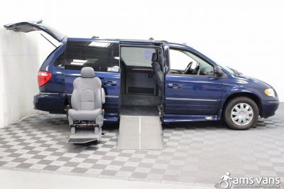 2005 Chrysler Town and Country Wheelchair Van For Sale -- Thumb #8