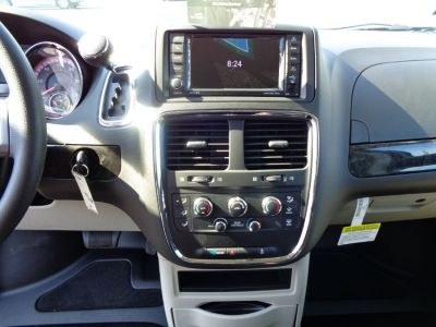 GRANITE CRYSTAL Dodge Grand Caravan image number 10
