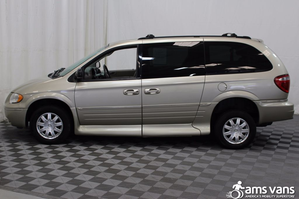 2005 Chrysler Town and Country Touring Wheelchair Van For Sale #17