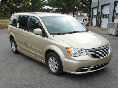Brown Chrysler Town and Country image number 21