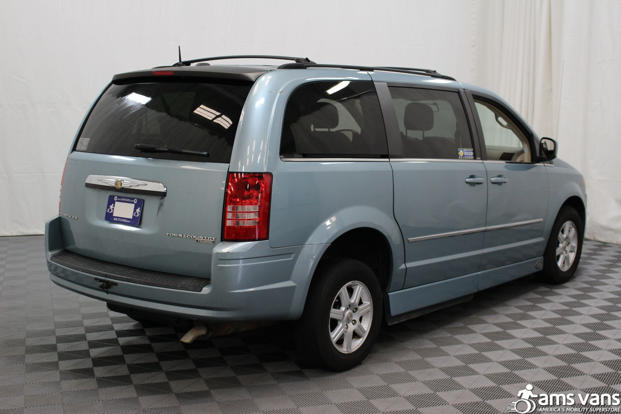 2010 Chrysler Town and Country Touring Wheelchair Van For Sale #13