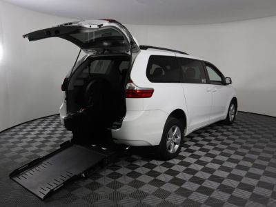 Commercial Wheelchair Vans for Sale - 2016 Toyota Sienna LE ADA Compliant Vehicle VIN: 5TDKK3DC3GS704726