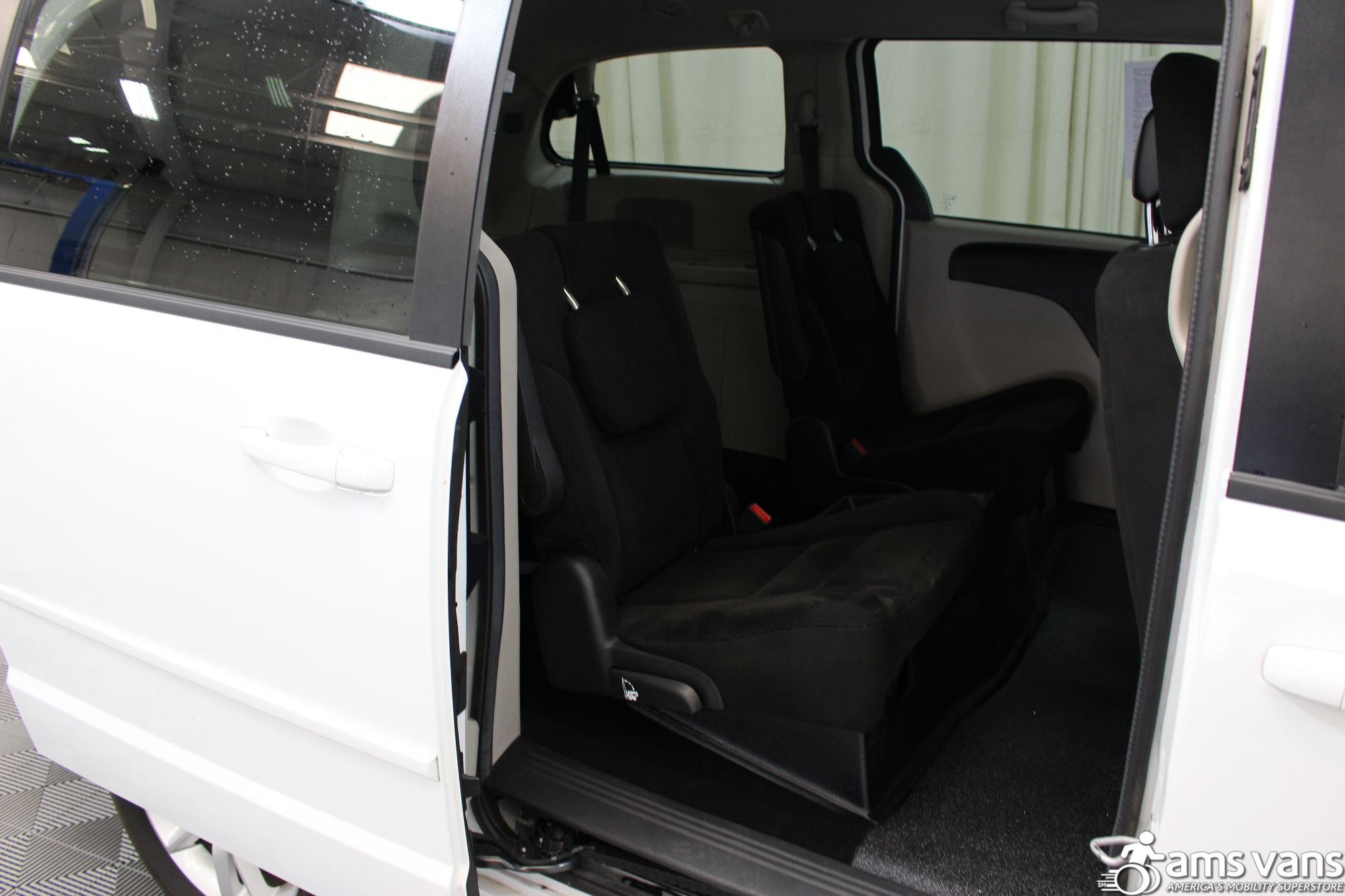 2016 Dodge Grand Caravan SXT Wheelchair Van For Sale #8