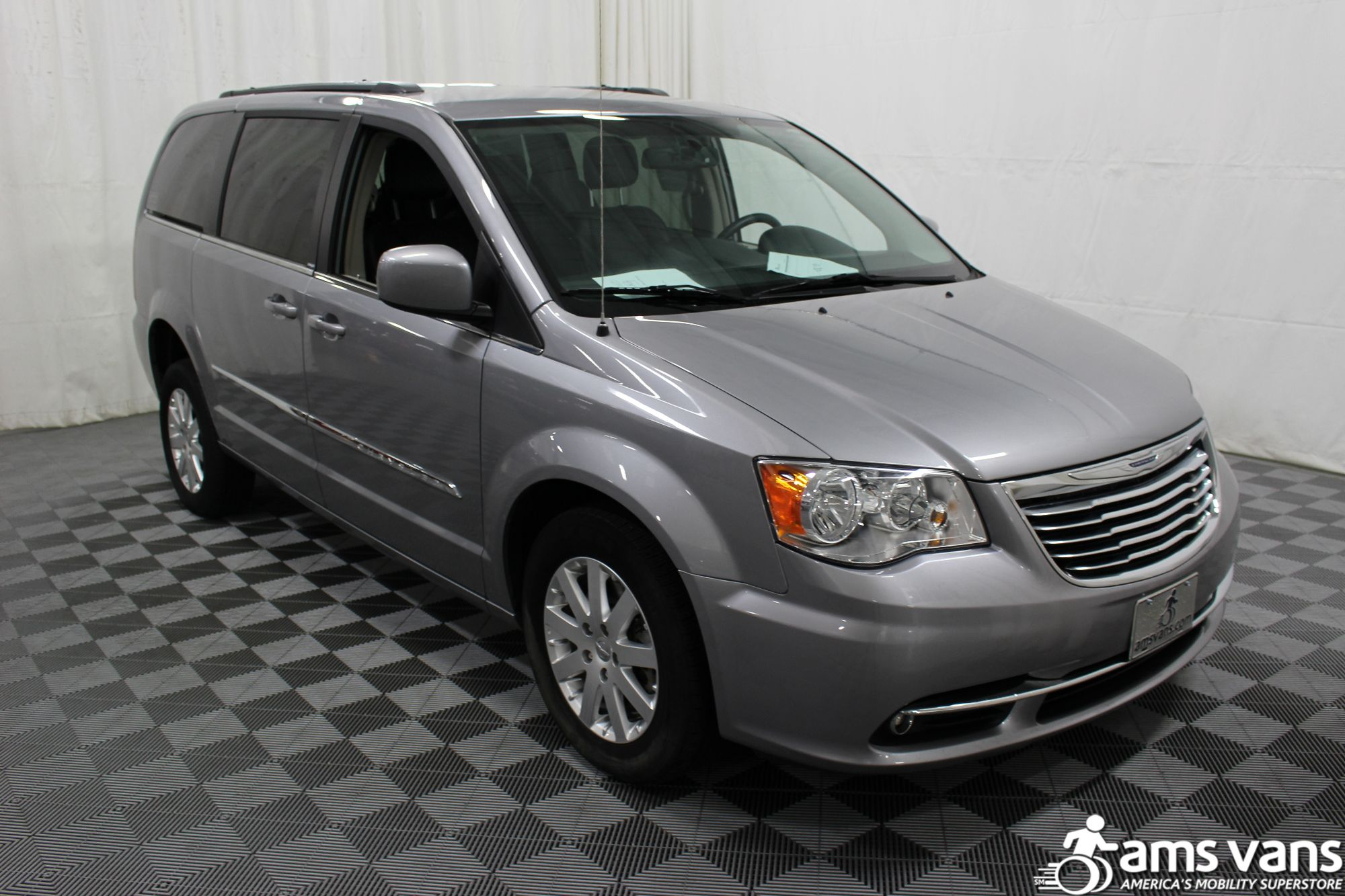 2013 Chrysler Town & Country Touring Wheelchair Van For Sale #12
