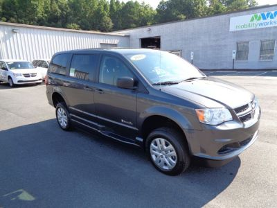 GRANITE CRYSTAL Dodge Grand Caravan image number 15