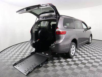 Commercial Wheelchair Vans for Sale - 2020 Toyota Sienna LE ADA Compliant Vehicle VIN: 5TDKZ3DCXLS058798
