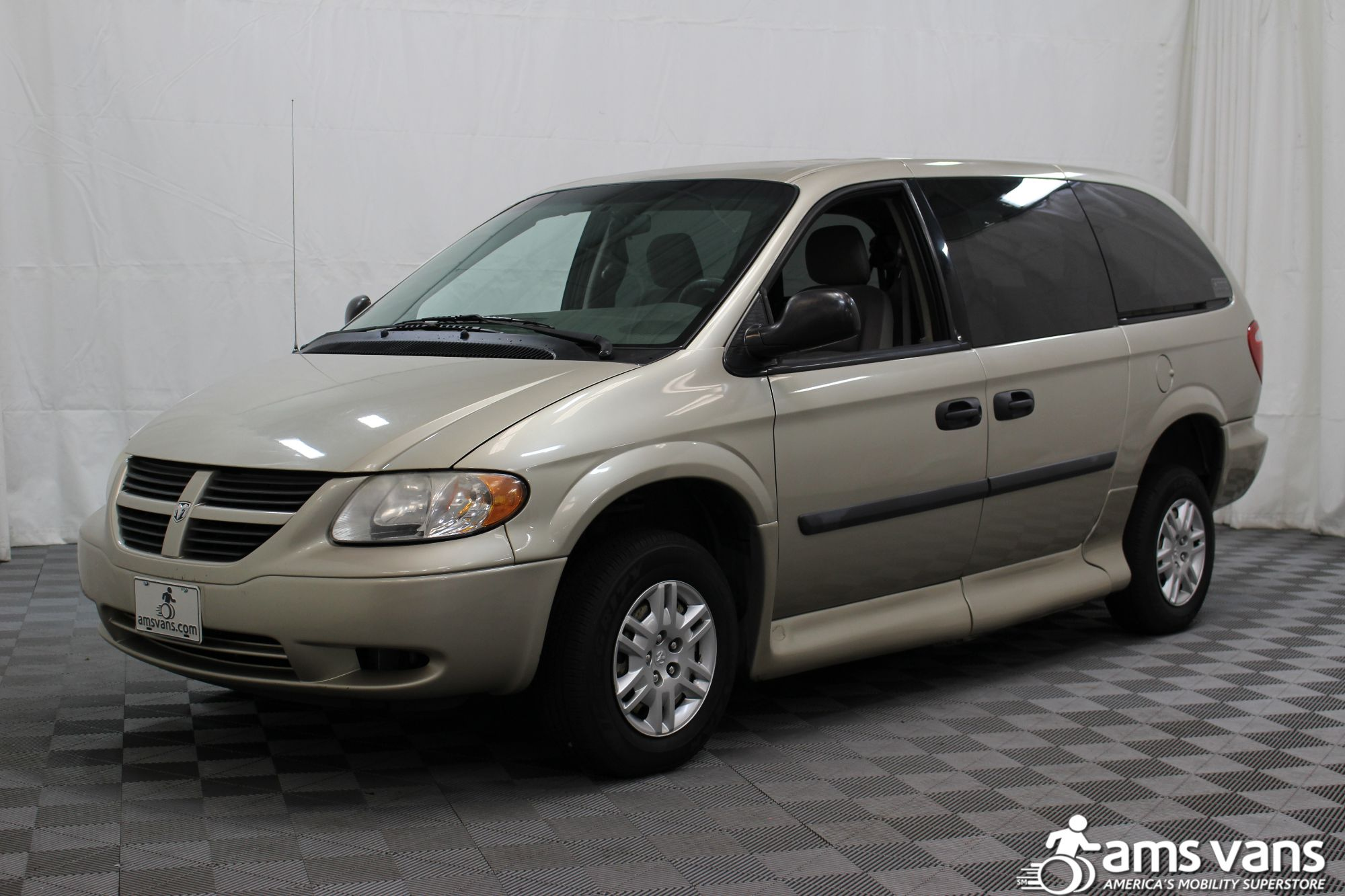 2007 Dodge Grand Caravan SE Wheelchair Van For Sale #17