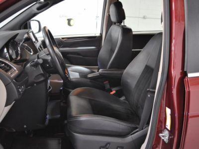 RED Dodge Grand Caravan image number 12