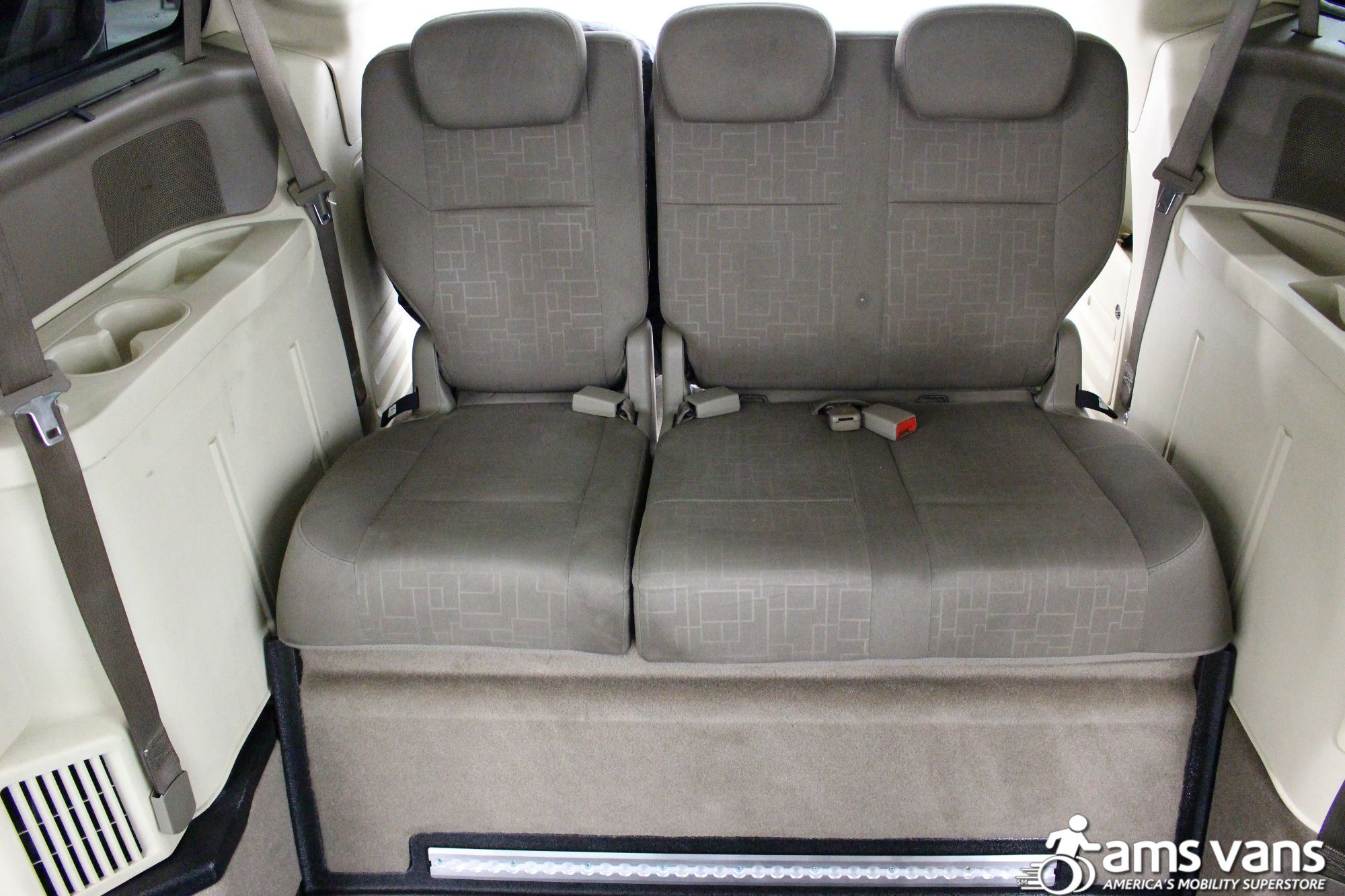 2009 Volkswagen Routan SE Wheelchair Van For Sale #10